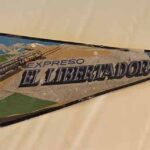 Banderín publicitario. Tren El Libertador. Ferrocarril General San Martín / Advertising pennant. El Libertador Train. General San Martín Railway