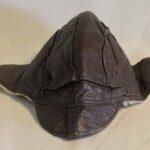 Gorra de cuero con piel en su interior. Ferrocarril Trasandino / Leather cap with fur inside. Trasandino Railway