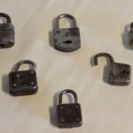 Candados pequeños. Eran utilizados para asegurar armarios y puertas / Small padlocks. They were used to secure cabinets and doors