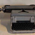 Máquina de escribir. Ferrocarril General San Martín / Typewriter. General San Martín Railway
