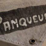 Pequeña bolsa de lona de correo entre estaciones. Perteneció a la Estación Panquehua Ferrocarril General San Martín / Small canvas bag for mail between stations. It belonged to the Panquehua Station. General San Martín Railway