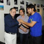 Los jurados Ernesto Segura y Marcelo Nardechia con Pablo Morales